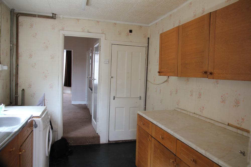 Victorian-London-house-renovation-kitchen-before