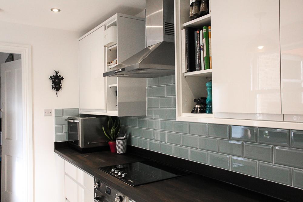 White-gloss-kitchen-duck-egg-blue-metro-tiles