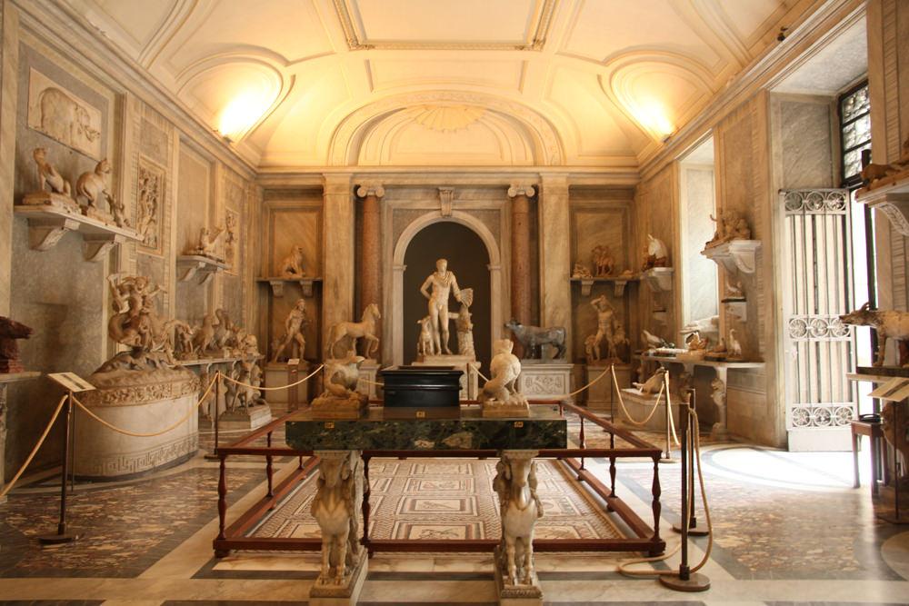Vatican-museum-internal.JPG
