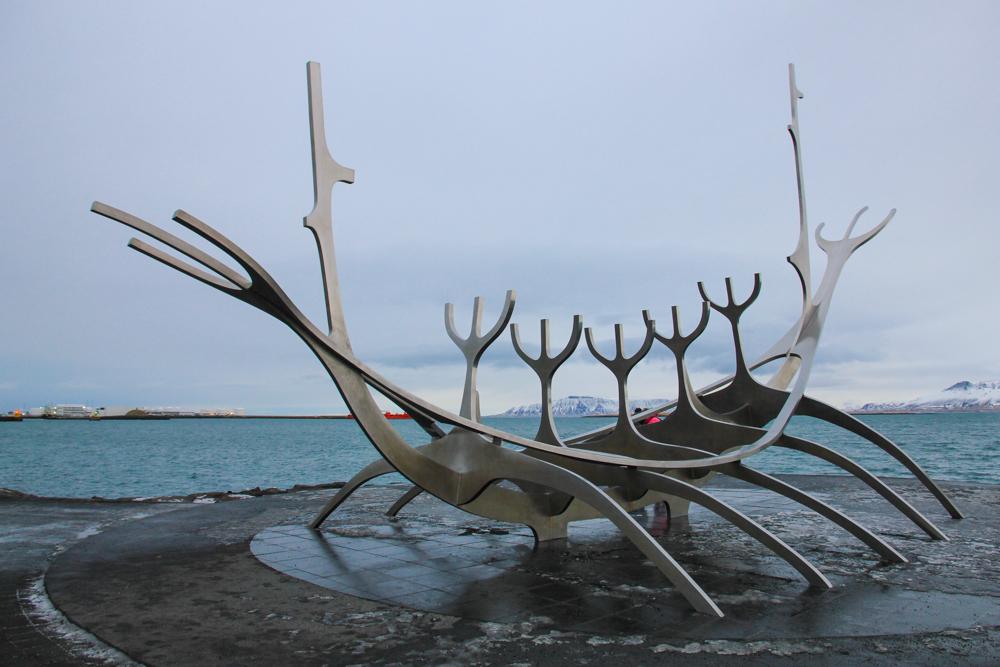 Sun-voyager-sculpture-iceland.jpg