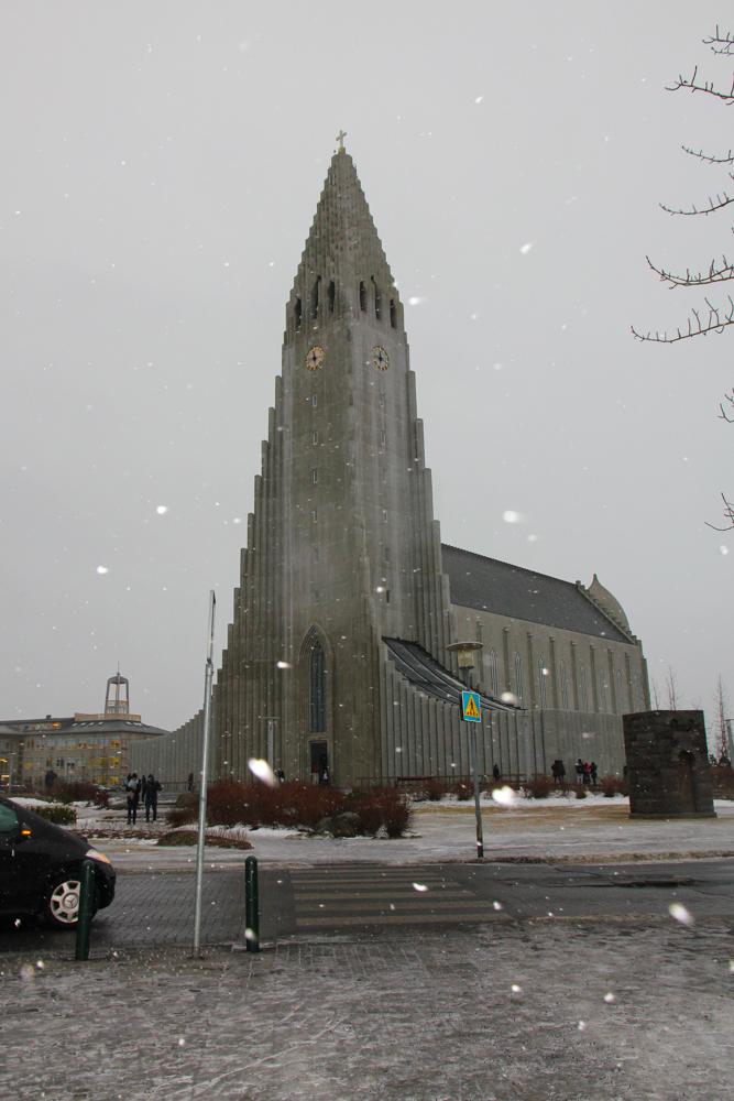 Hallgrímskirkja-church-Reykjavik.jpg