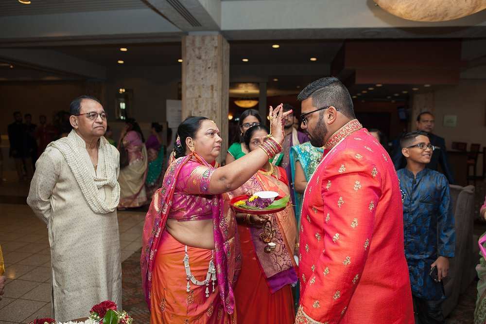 Prexa_Harry_Columbus_Crown_Plaza_Indian_Wedding0052.jpg