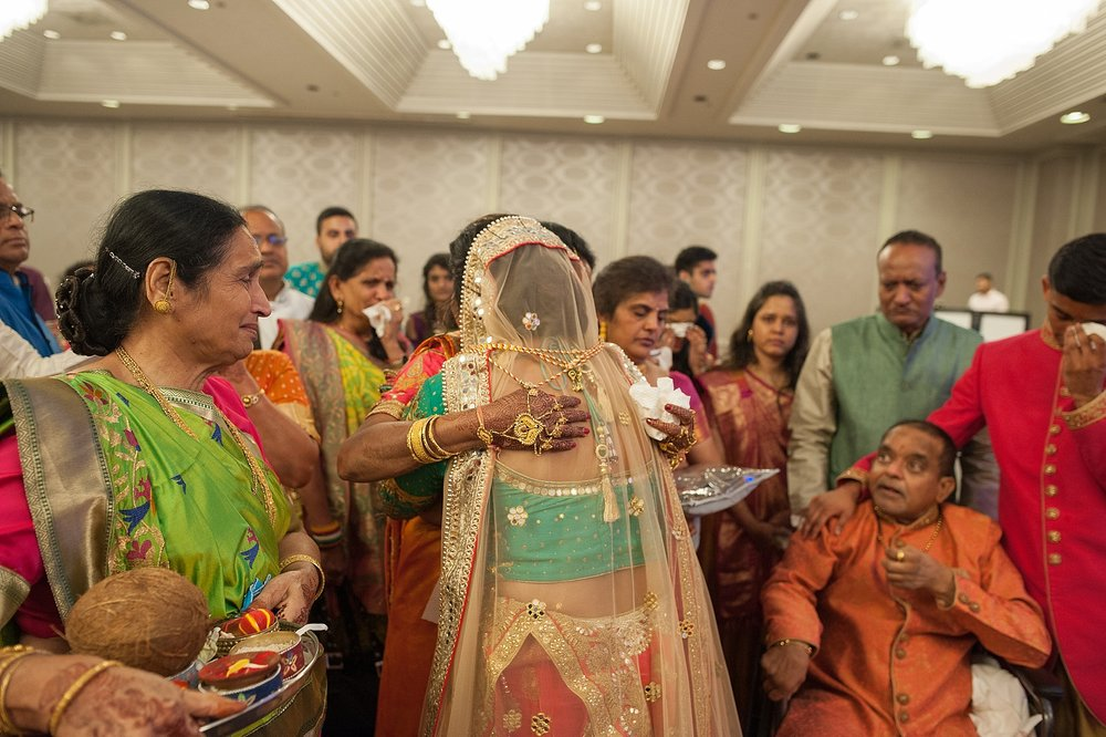 Prexa_Harry_Columbus_Crown_Plaza_Indian_Wedding0075.jpg