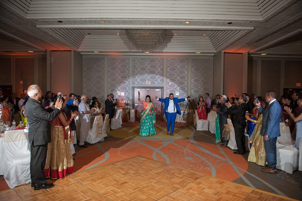 Prexa_Harry_Columbus_Crown_Plaza_Indian_Wedding0096.jpg
