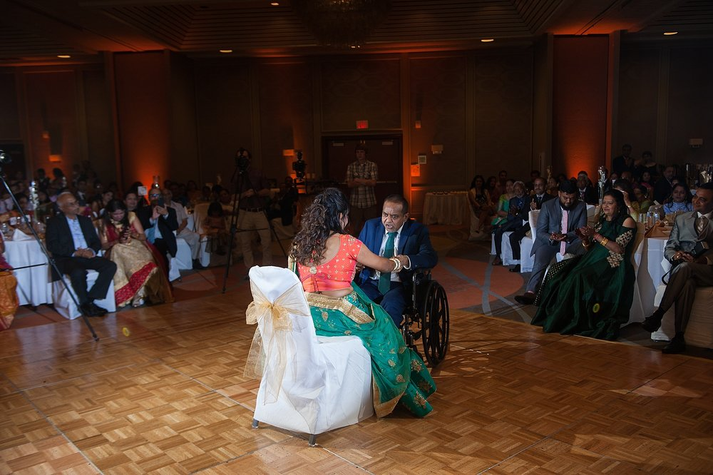 Prexa_Harry_Columbus_Crown_Plaza_Indian_Wedding0106.jpg
