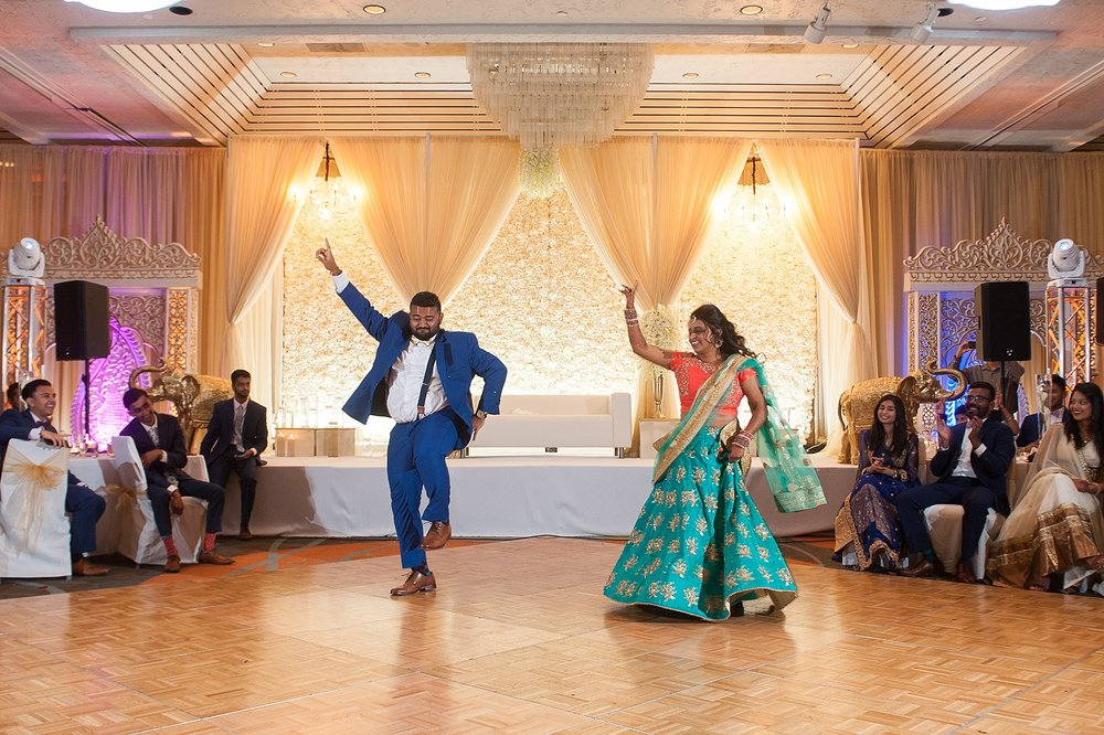 Prexa_Harry_Columbus_Crown_Plaza_Indian_Wedding0115.jpg