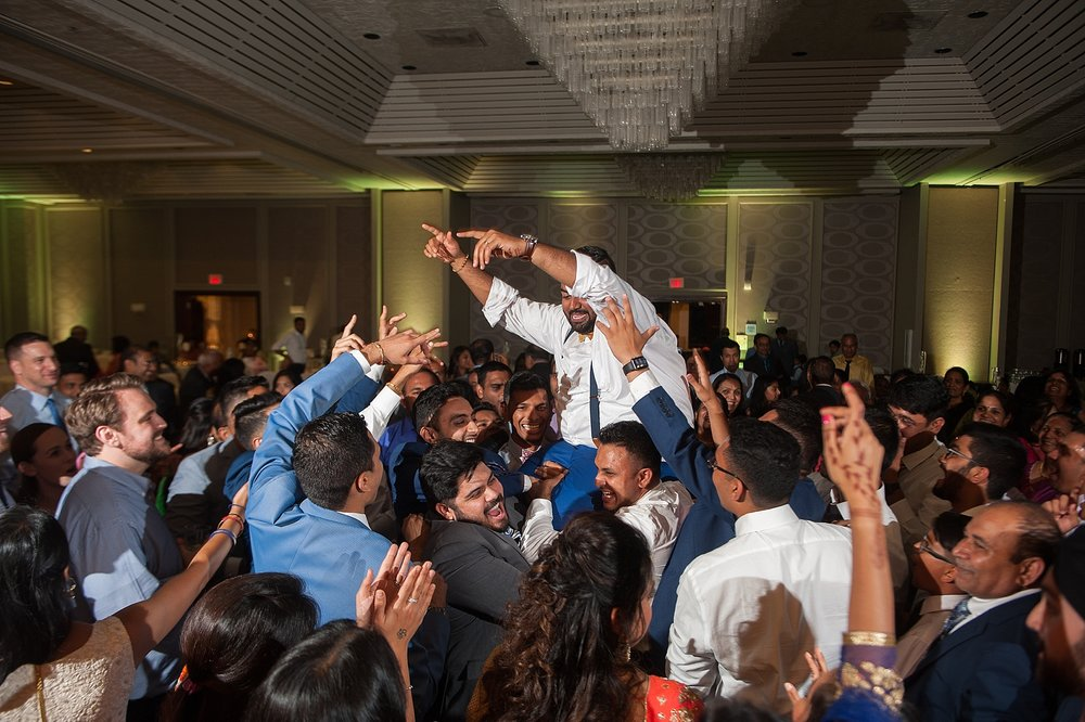 Prexa_Harry_Columbus_Crown_Plaza_Indian_Wedding0124.jpg
