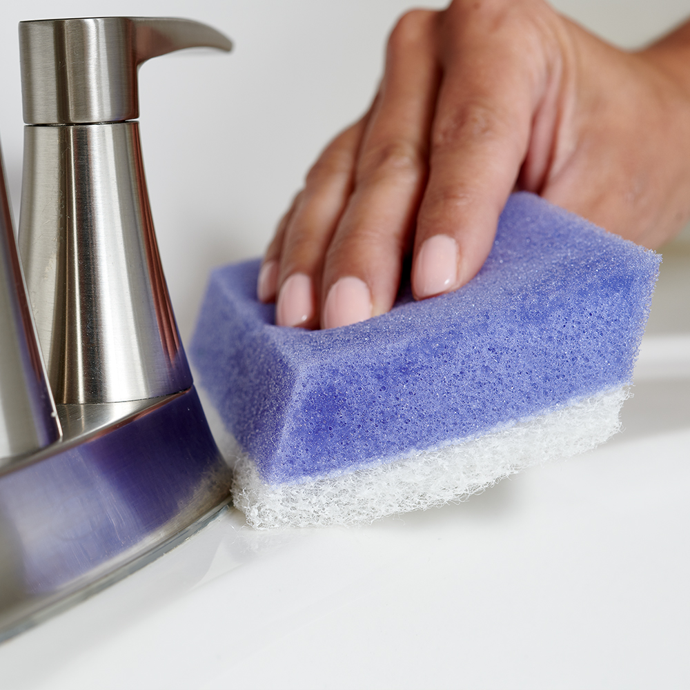 Brillo® Estracell® No Scratch Scrub Sponge with Wedge Edge cleaning bathroom sink