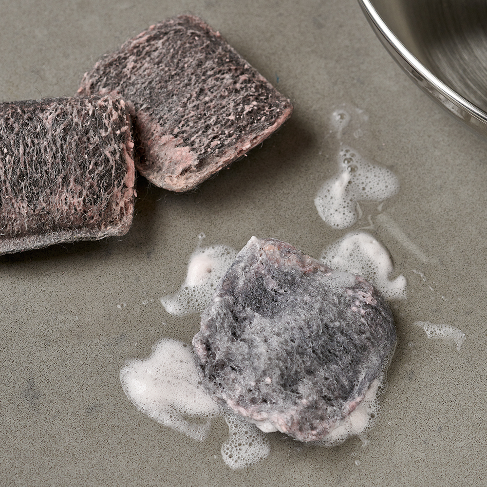 Brillo® Steel Wool Soap Pads in sink