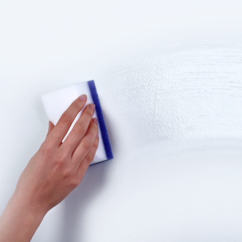 Brillo® Erase & Wipe™ in use