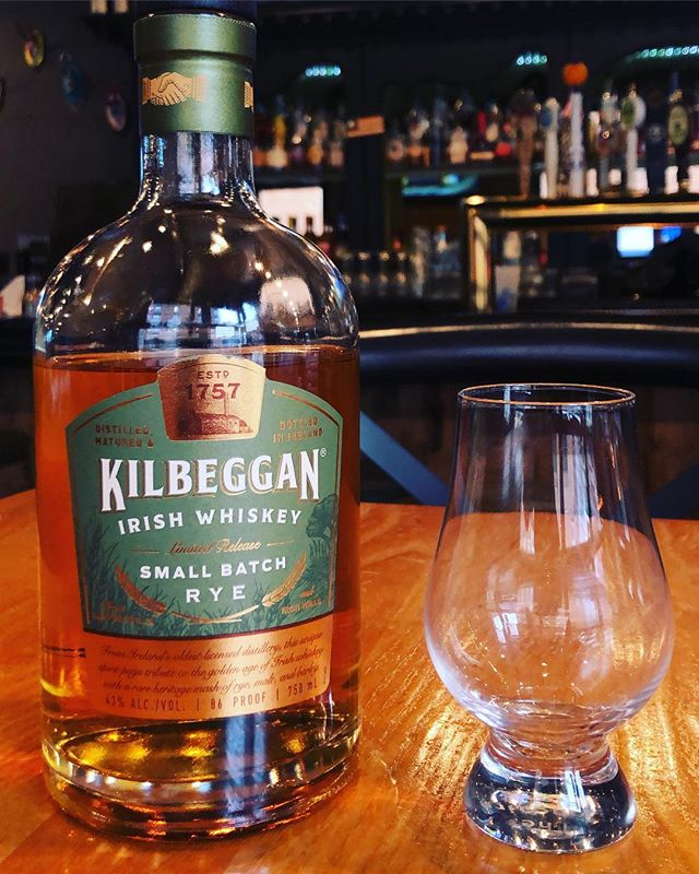 Cure your Monday Blues with our soup of the day featuring @kilbegganwhiskey and 1/2 priced selected apps! And don't forget to bring a friend to join in on the fun for game night here at your favorite neighborhood bar @thestewedcow . . . . #hoboken #hobokenbars #hobokenhappyhour #happyhour #getstewed #beersandbourbon #whiskey #ryes #bourbon #cocktails #draftbeer #gamenight #games #irishwhiskey #mondays #mondaynight #mondaysbelike