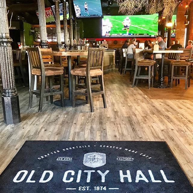 Sundays are for football 🏈 Join us tomorrow and catch all the games across 9 screens + the 2nd largest LED wall in the city! Bottomless Mimosas, Bloody Mary Bar & Brunch until 2pm, with Beer & Shot Specials during every game! Who's ready to party? #FootballSunday #SundayFunday #InstaFootball #NFL #BeerMe #BottomLessMimosas #BloodyMaryBar #LEDWall #OCH #OldCityHall #OldCityHallSD