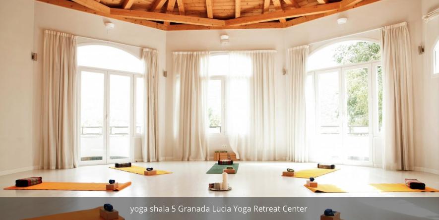 Geeti-Shirazi-Mahajan-Lucia-Yoga-Retreat-Granada-Spain.png