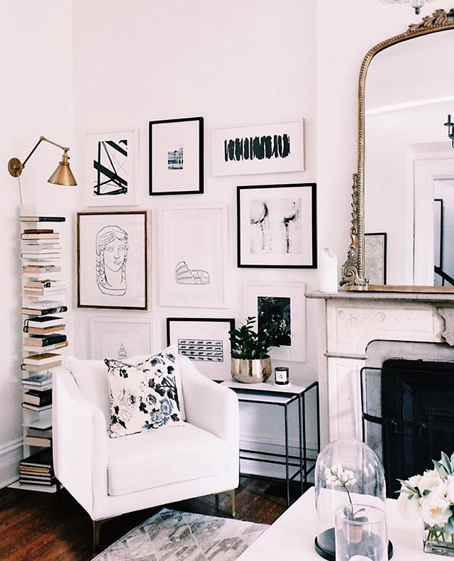B L A C K + W H I T € • 4 € V A 🐼       I don't think I could ever tire of a classic black + white color scheme | design cred: @alainakaz . . . . . #whitewalls #eclecticdecor #monochrome #monochromatic #vintage #vintagehome #historichome #homegoals #homeinspo #interiordesign #interiors #designinspo #interiorstyling #livingroom #interiordecor #dreamhome #hollywoodregency #midmod #midmodern #midcenturymodern #blacktrim #blackandwhite