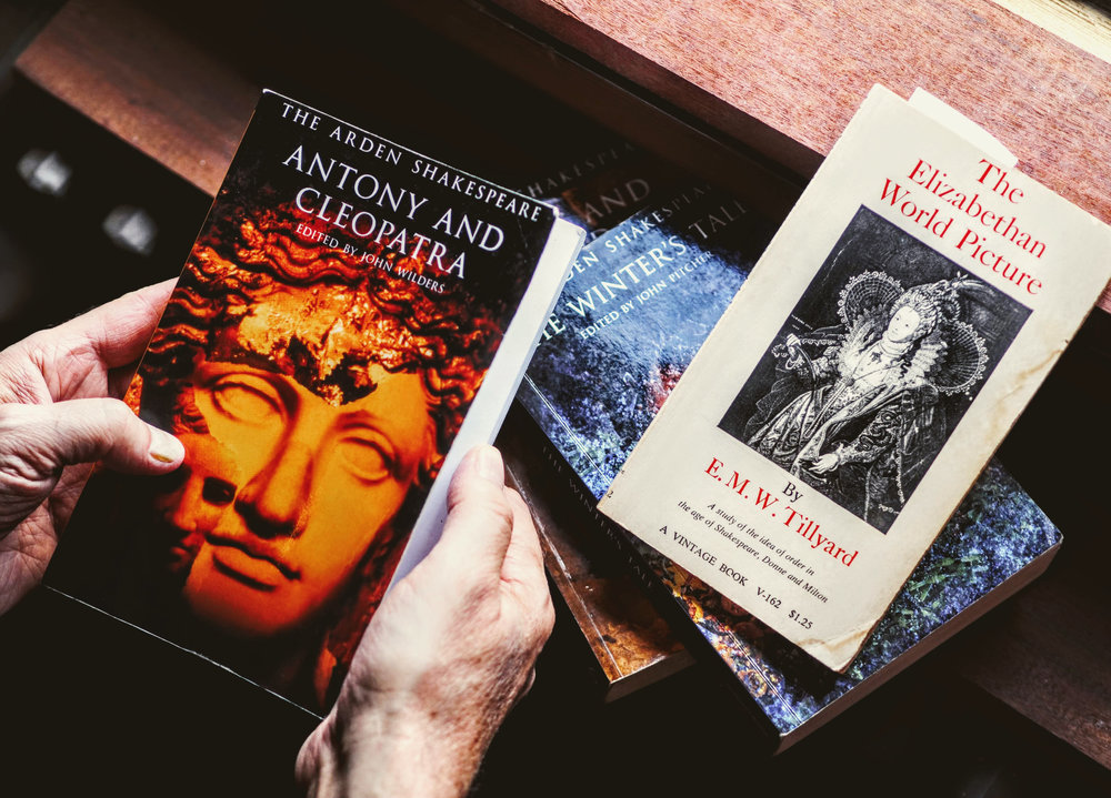 Antony & Cleopatra w_Winter's Tale Books and Hands 9295471.ORF_r.jpg