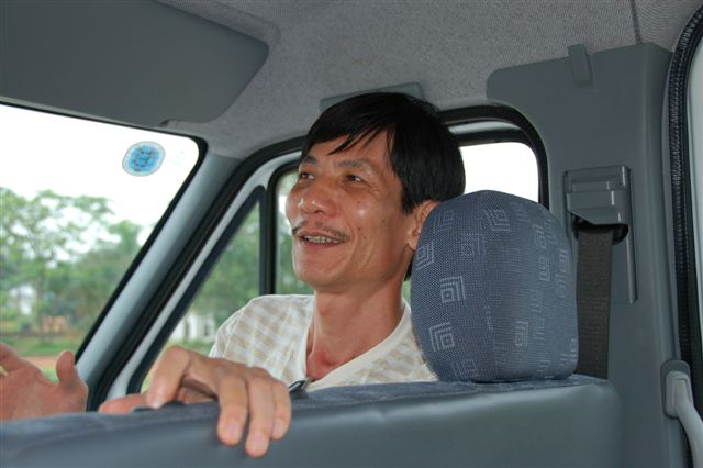 Picture of our guide, Hung Cha, enthusiastically making his next point.