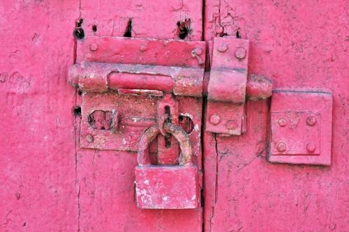 antique-dirty-door-157203.jpg