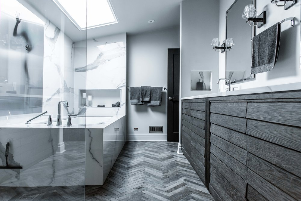 DSC_9037 - Bathroom 2 Low.jpg