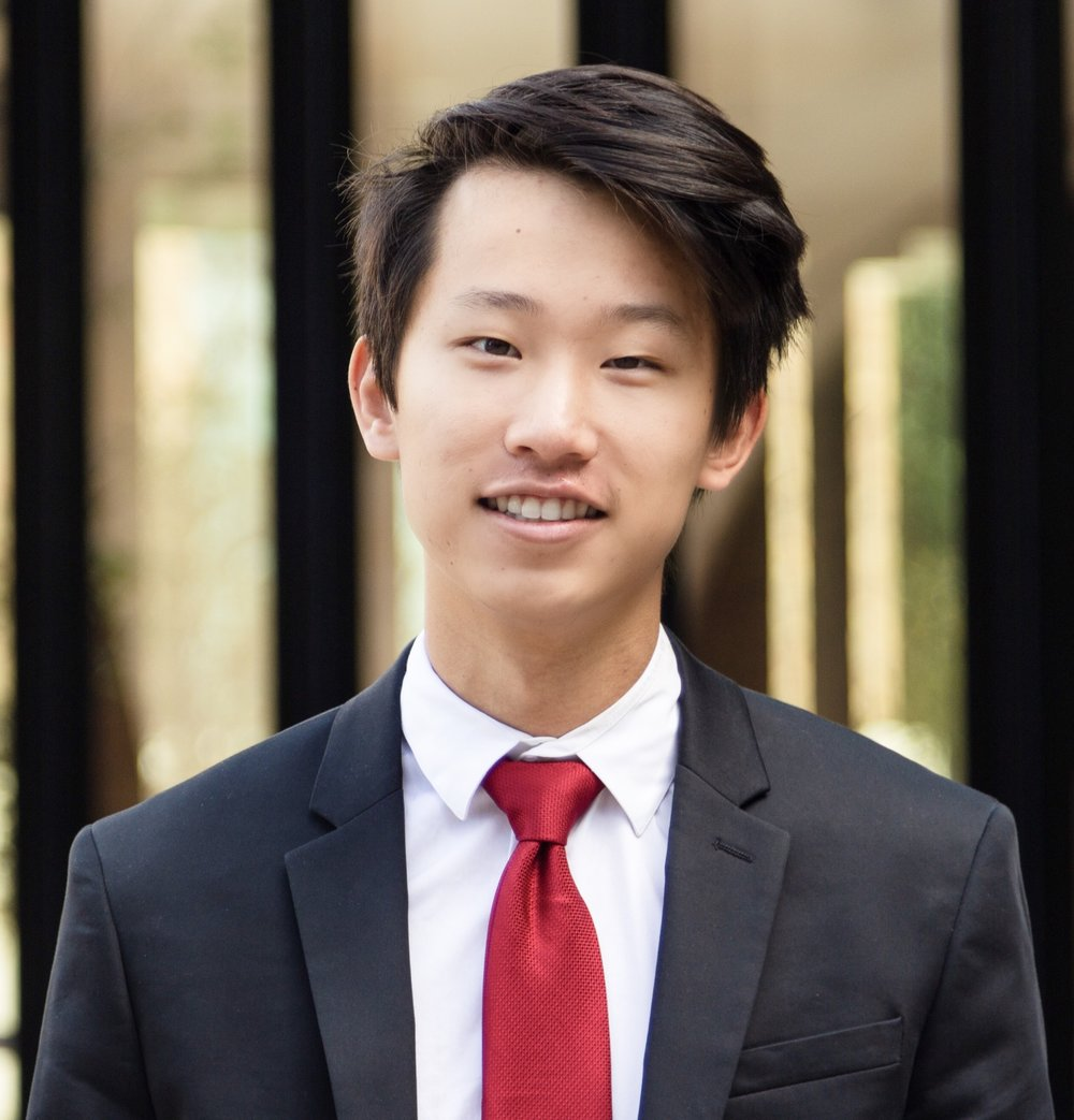 Jeffrey Yu   Coppell, TX Finance Class of 2022  Jeffrey is a freshman majoring in Finance. This past summer, he worked at Hilton Hotels & Resorts as a tennis coach. Outside of the Finance Team, he loves playing volleyball and tennis, following streetwear fashion, attempting crossword puzzles, and eating fresh guacamole.