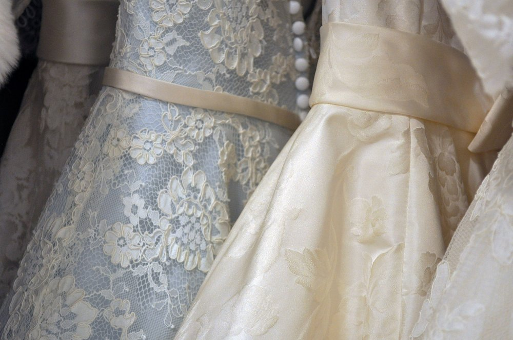 Formal Attire - Heart to Heart 319.665.2000 manager@hearttoheartbridalandformal.com www.hearttoheartbridalandformal.comWhite Willow Bridal Boutique 319.378.6361 whitewillowbridal@gmail.com www.whitewillowbridal.com