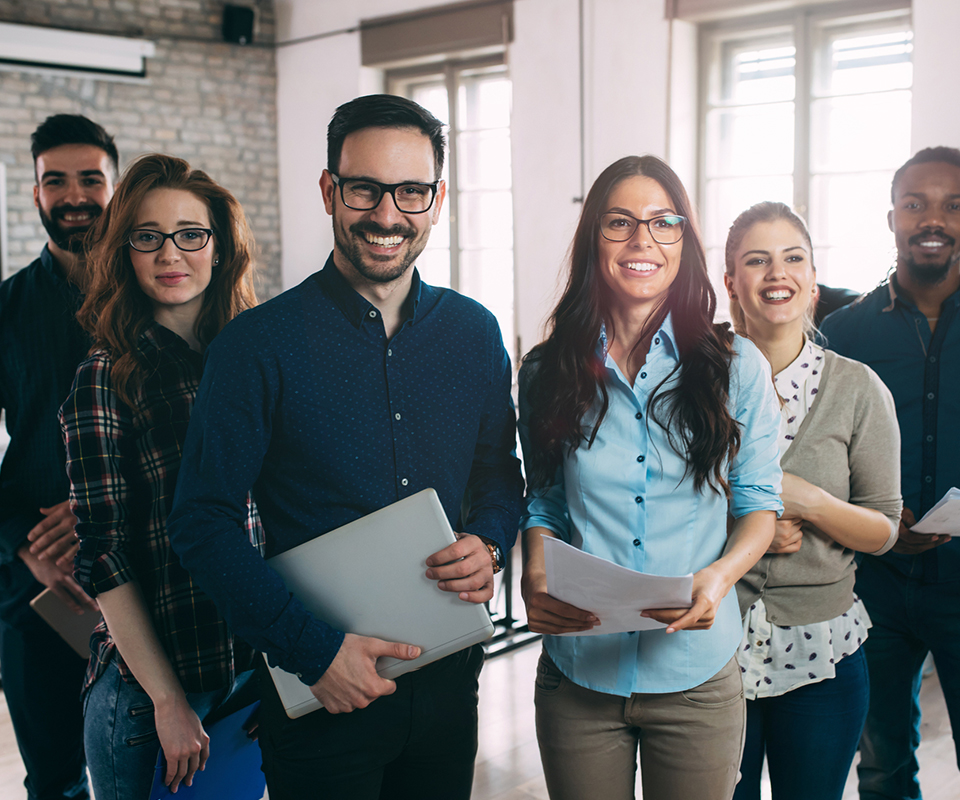 LA PROPUESTA incluye - - 5 Informes para la toma de decisiones en la universidad- 10 suscripciones para usuarios directivos de una universidad- 2 suscripciones para arquitectos y analistas de datos