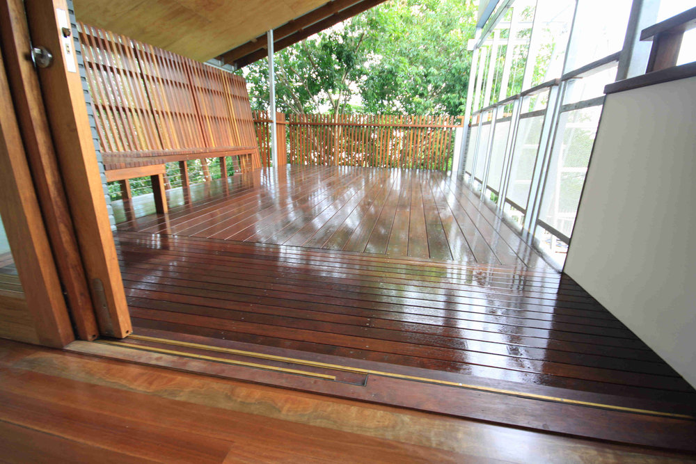 Deck Build Highgate Hill.jpg