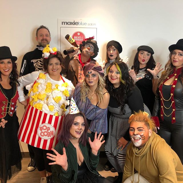 Happy Halloween from Moxie BOO Salon 👻🤡🦁🍿🔮 . . . #moxiebluesalon #moxiebabes #circus #halloween #happyhalloween #bestofphilly #phillybesthair #behindthechair #lion #circusparty #boo #oldcityphilly #marlton #fishtown #centercityphilly #halloweencostume #stylistssupportingstylists #whyilovephilly #hairgoals