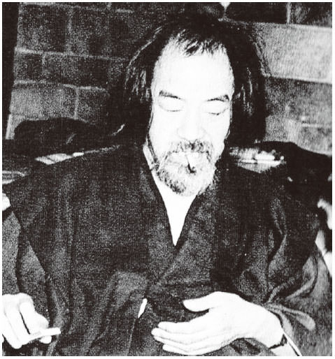 Yasusuke Gomi who also won the Akutagawa Prize as an author