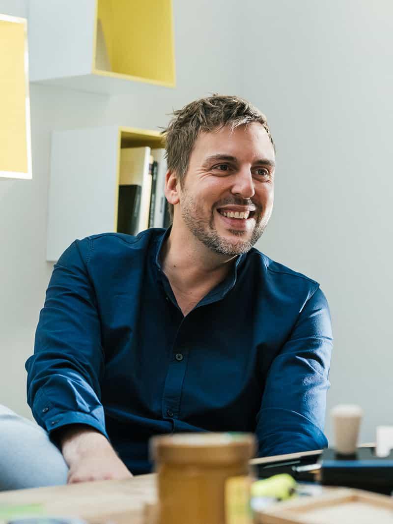 Sascha van den Bloock - Senior Consultant / Corporate DesignTelefon: 0221 - 800 59 66E-Mail: Sascha@BueroBloock.de