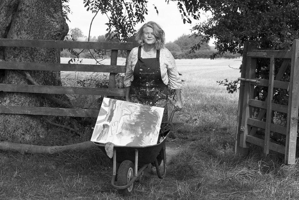 Lesley-seeger-painting-en-plein-air.jpg