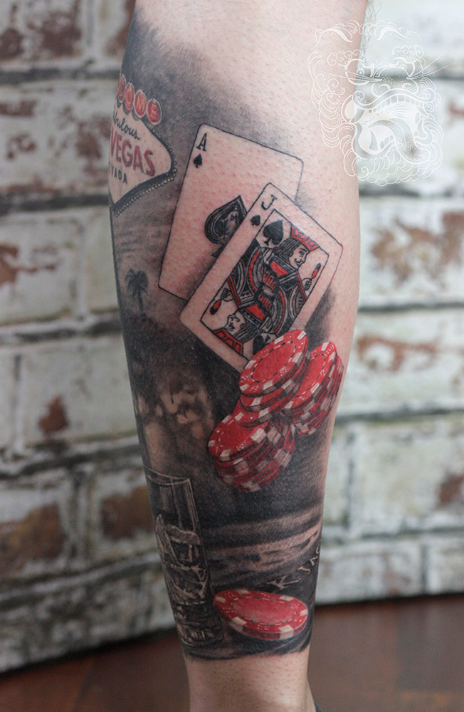 Red is often used in a tattoo when a customer is not sure about the full color, but in the same time, he would love the slight hint of color, that creates additional focal points in the composition.