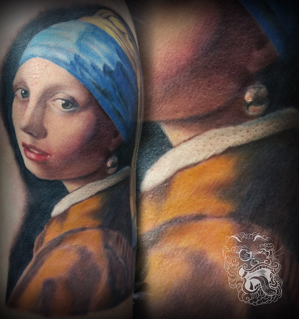 I have always enjoyed master studies, mainly from artists I admire so much as Johannes Vermeer. This Girl with a Pearl Earring reproduction I did for an art history student.
