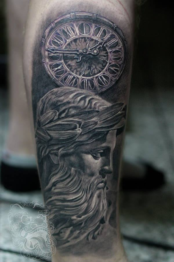 In the picture above, notice the clock. Main ornaments are done in white, in this case, that means leaving the untattooed skin. Creating images with untouched skin in realism tattooing (negative shapes) is extremely hard to achieve and requires a significant amount of patience.