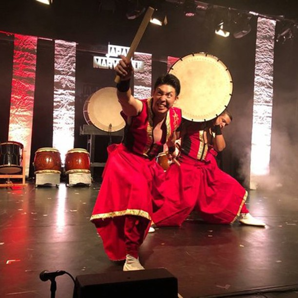 BLOG POST - @japanmarvelous_official  review, @edfringe  @assemblyfest  August 2018  We've been to see our fair share of Japanese drumming shows before, and although we have always loved the music, we've been disappointed in the past by the over-use of slapstick comedy, which can detract from what is truly a stunning art form. Japan Marvelous Drummers tread this fine line to perfection.  Read more over on our blog...link in bio!  #edinburghfringe #taiko #percussion #drums #wadaiko #japanese #music #performance #energy #passion #culture #strength #power #liveart #skill #familyshow #classical #modern #koto #flute #velvetblogoffice #velvetboxoffice #blog #inspiring #alternative #performance #entertainment #art