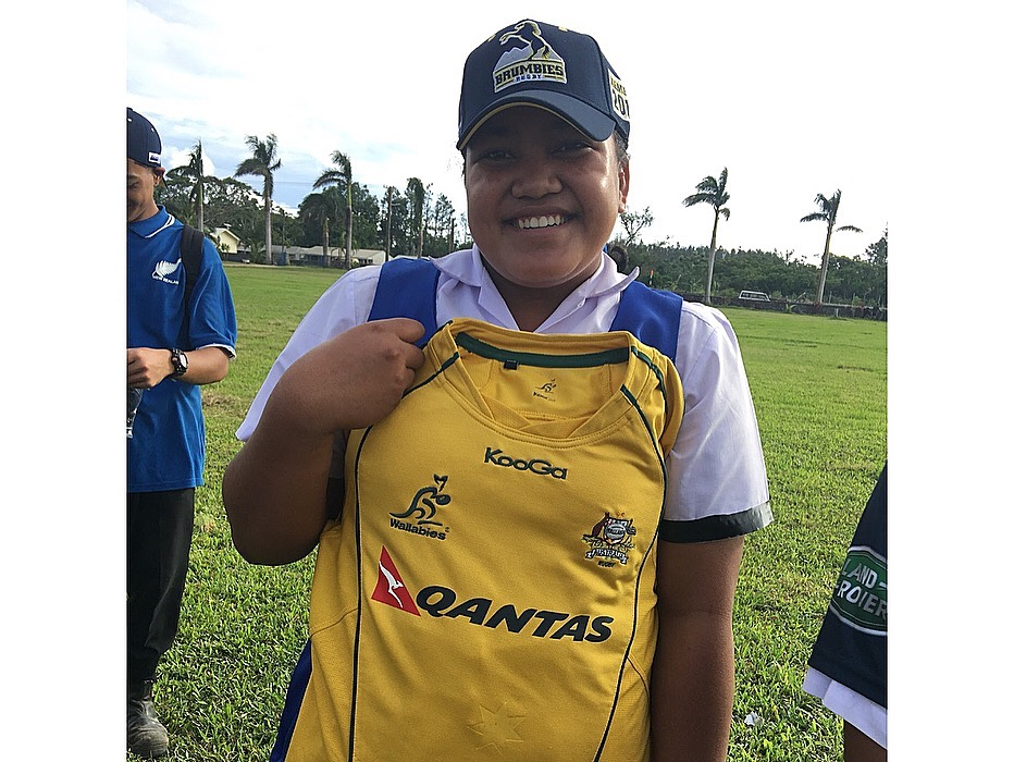 Prize winner of the day! Thanks to the Wallaby boys for the jersey