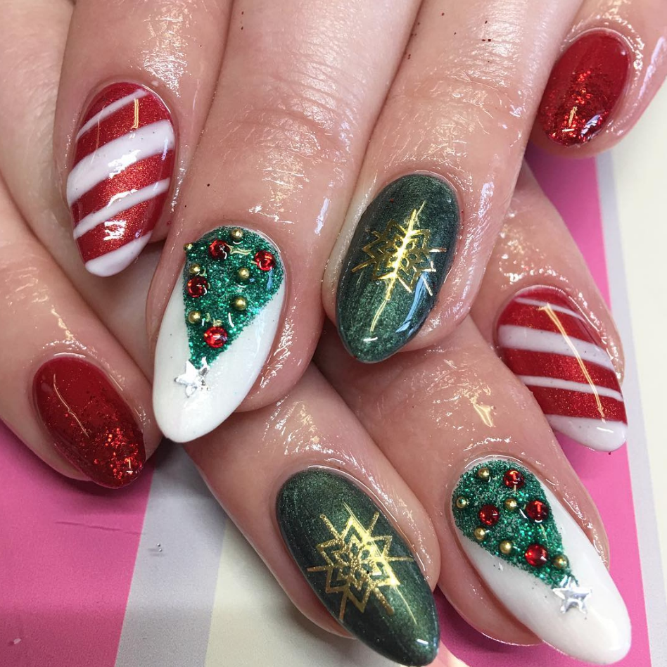 Swoon Nails 1.png