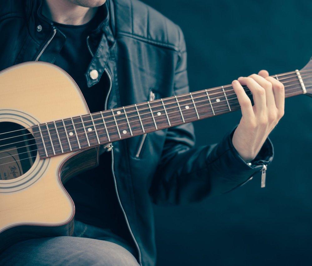 artist-guitar-guitarist-33597.jpg