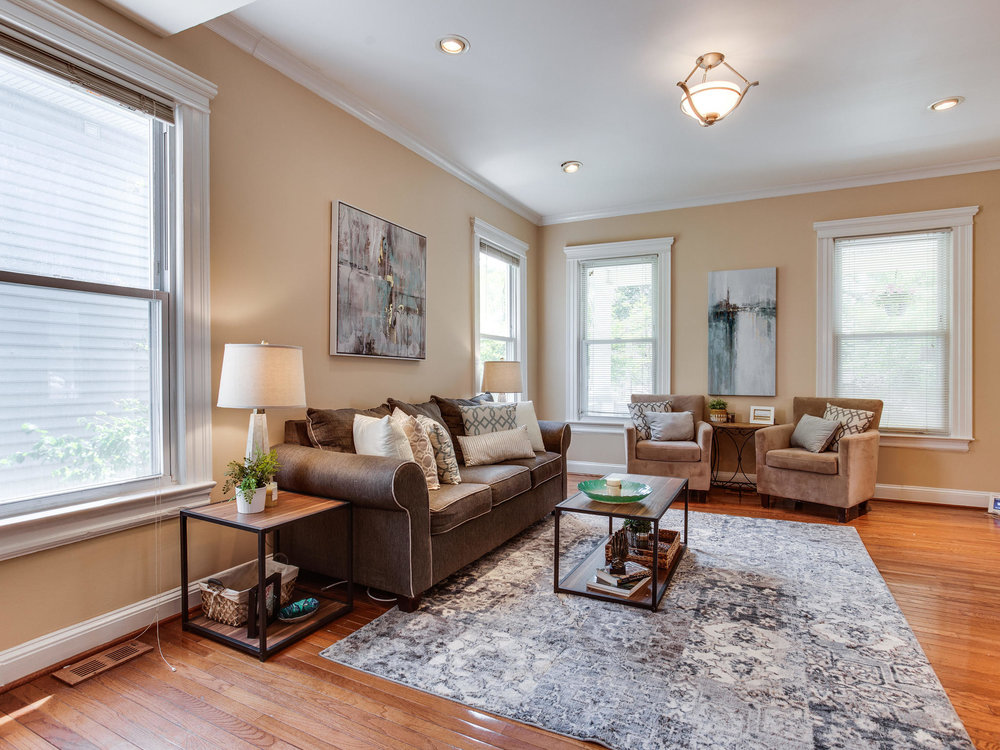 1317 Delafield Pl NW-MLS_Size-011-8-Living Room-2048x1536-72dpi.jpg