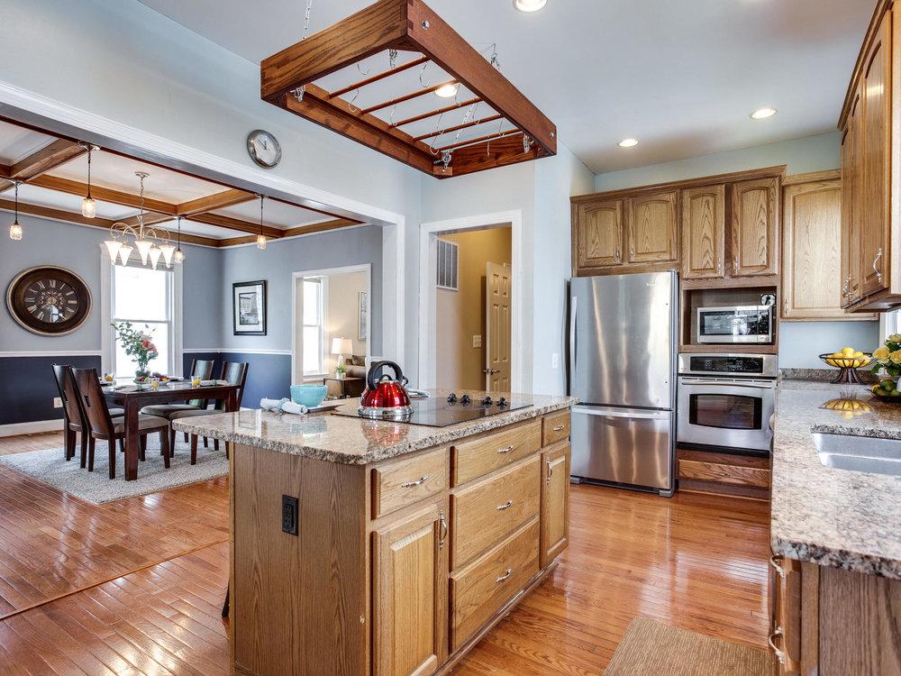 1317 Delafield Pl NW-MLS_Size-019-13-Kitchen-2048x1536-72dpi.jpg