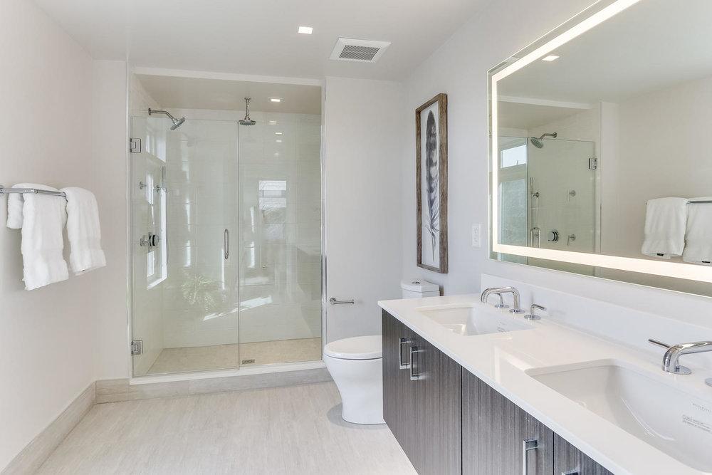 1001 Monroe St NW 4 Washington-large-034-30-Master Bath-1500x1000-72dpi.jpg