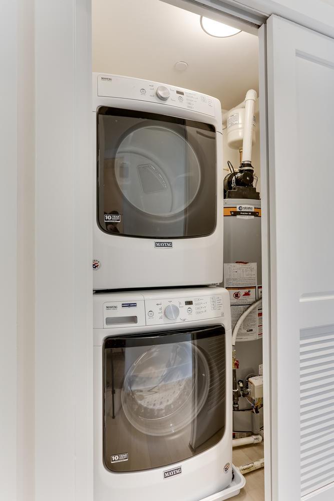1001 Monroe St NW 4 Washington-large-056-28-Laundry-667x1000-72dpi.jpg