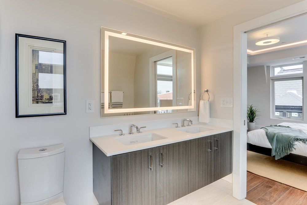 1001 Monroe St NW 5 Washington-large-039-34-Master Bath-1500x1000-72dpi.jpg