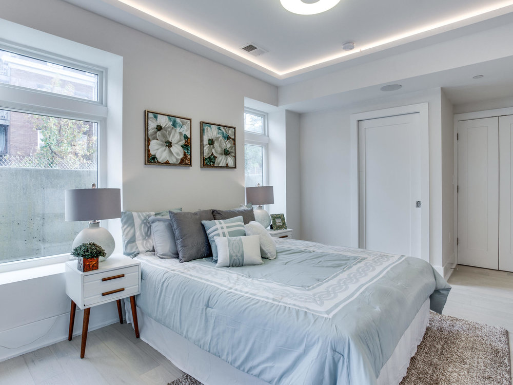 1001 Monroe St NW 1 Washington-MLS_Size-042-50-Master Bedroom-2048x1536-72dpi.jpg