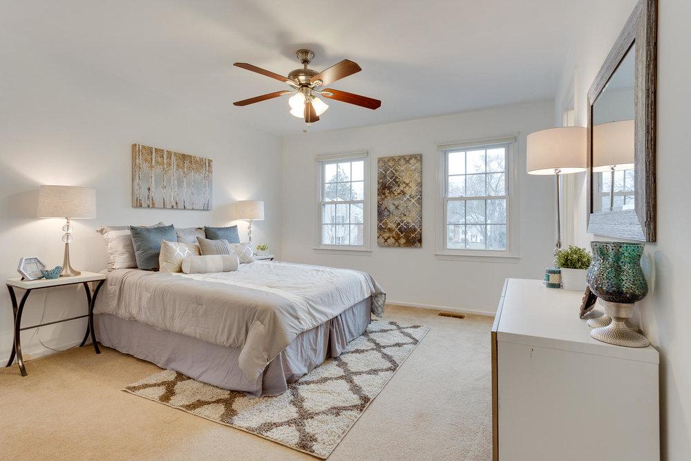5523 Miles Ct Springfield VA-large-027-17-Master Bedroom-1500x1000-72dpi.jpg