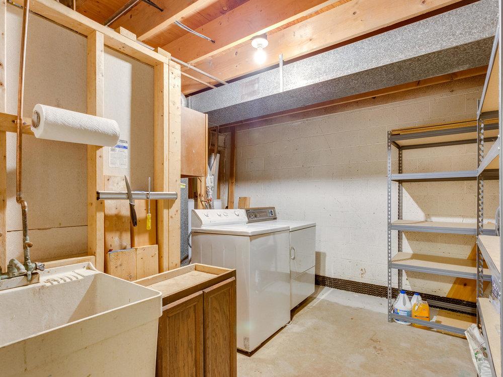 5523 Miles Ct Springfield VA-MLS_Size-040-46-Laundry FacilityRoom-2048x1536-72dpi.jpg