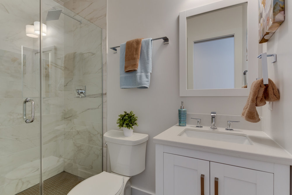 15 Grant Cir NW Unit 3-print-066-68-Bathroom-4200x2800-300dpi.jpg