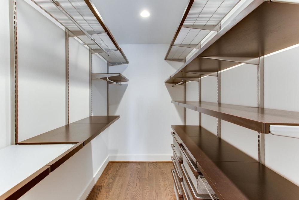 1524 Ogden St NW Unit 2-large-020-19-Closet-1500x1000-72dpi.jpg
