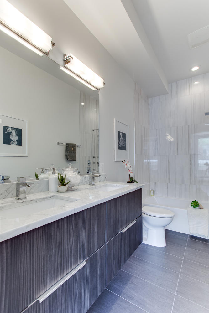 1524 Ogden St NW Unit 2-large-056-48-Bathroom-667x1000-72dpi.jpg