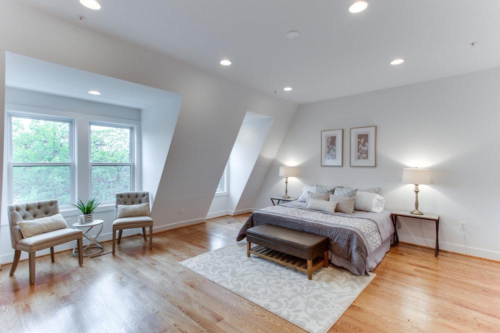 4511 Iowa Ave NW Unit 3-print-045-30-Master Bedroom-4200x2800-300dpi.jpg