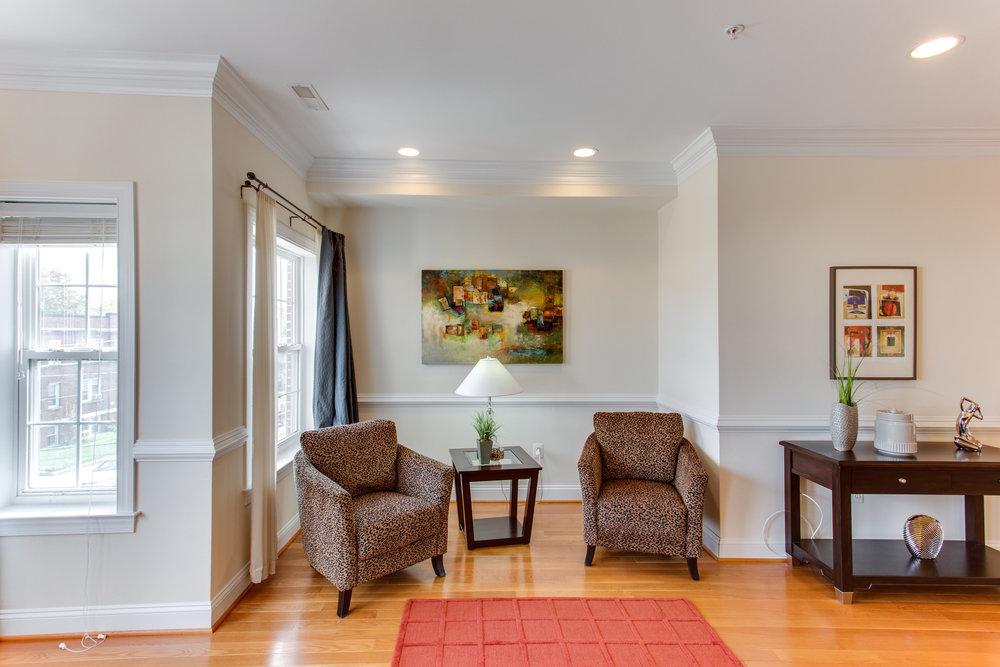 5522 9th St NW Unit 1-print-019-15-Living Room-4200x2800-300dpi.jpg